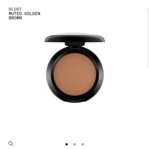 MAC blush Blunt